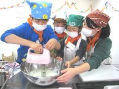 本格クリスマスケーキ作り~オリジナルケーキ&ブッシュドノエル